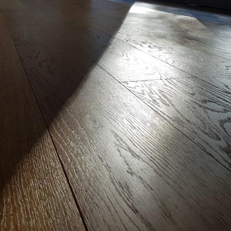 Renowacja, szczotkowanie podłogi dębowej obrazek cykliniarze parkieciarze aktualnosci