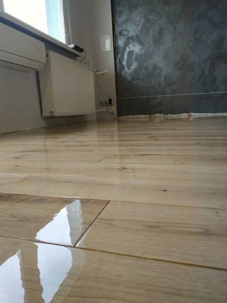 Renowacja podłogi dębowej cykliniarze parkieciarze zdjecie