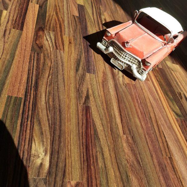 Renowacja mozaiki z palisandru + odświeżenie schodów