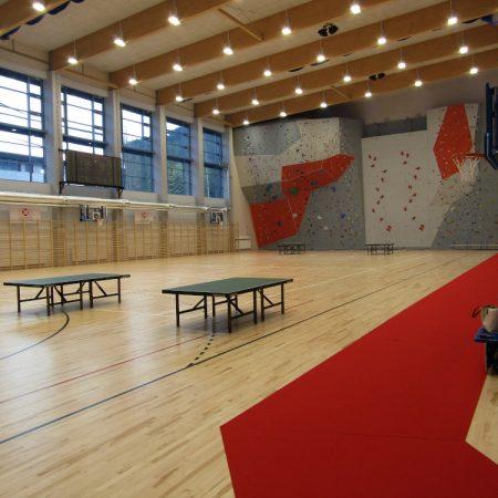 Connor Sports – czyli montaż drewnianej podłogi sportowej. obrazek cykliniarze parkieciarze aktualnosci